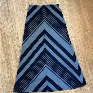 Volcom- grey and black long skirt